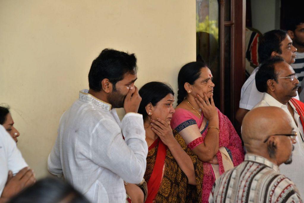 Actor Manchu Vishnu pays last respect to Dasari Narayana Rao at his residence. - Manchu Vishnu and Dasari Narayana Rao