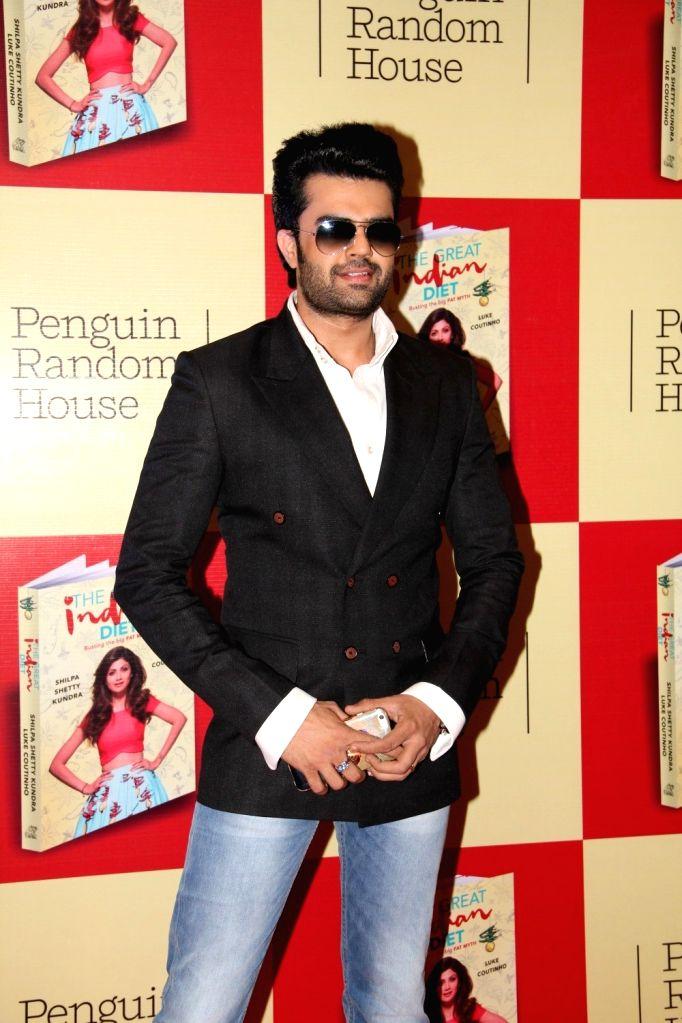 Actor Manish Paul during the launch of Shilpa Shetty`s book The Great Indian Diet in Mumbai, on Nov 19, 2015. - Manish Paul