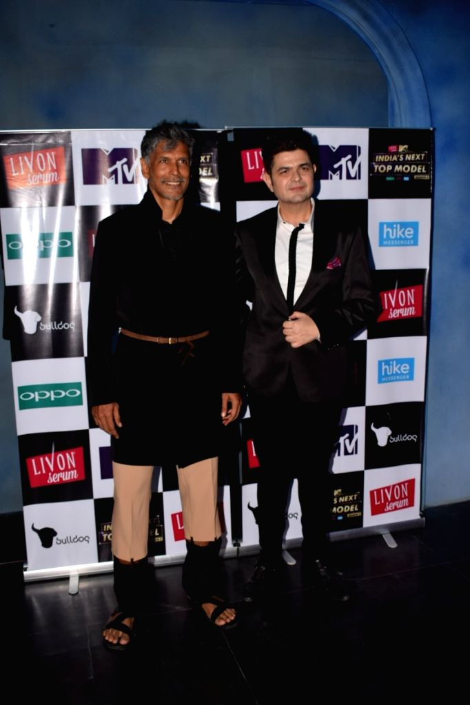 """Actor Milind Soman and Photographer Dabboo Ratnani on the set of """"India's Next Top Model"""" Season 3  in Mumbai on Oct 10, 2017. - Milind Soman"""