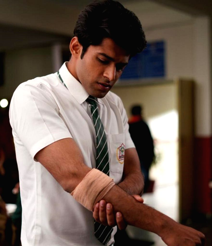 "Actor Mohit Kumar recently got injured while shooting for his TV show ""Ek Duje Ke Vaaste 2"". - Mohit Kumar"