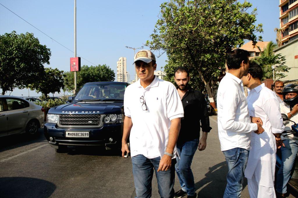 Actor Mohnish Bahl arrives at the residence of Raj Kumar Barjatya who died on in Mumbai on Feb 21, 2019. - Mohnish Bahl and Kumar Barjatya