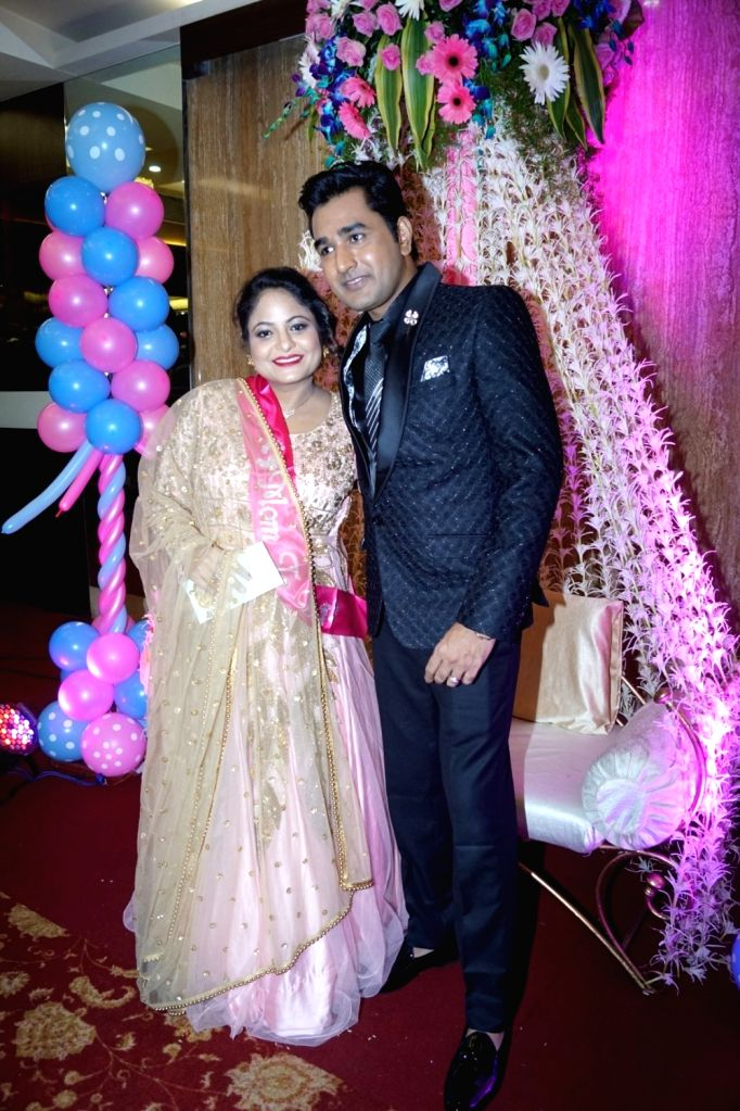 Actor Mubeen Saudagar along with his wife Alsaba Saudagar during the Baby Shower ceremony in Mumbai on Sept 18, 2017. - Mubeen Saudagar
