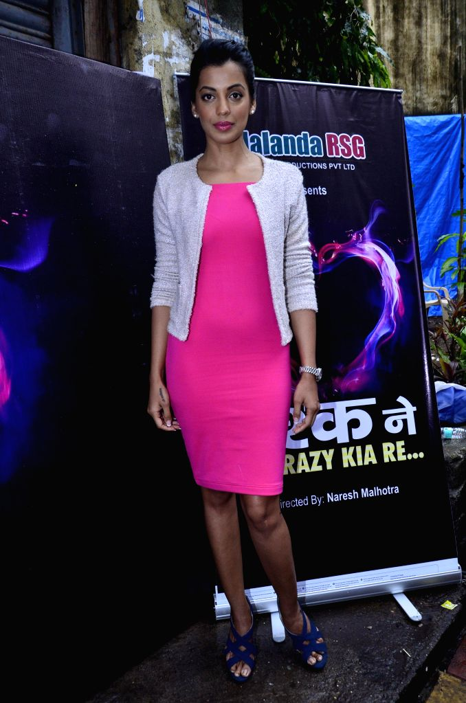 Actor Mugdha Godse during the on location shoot of film Ishq Ne Crazy Kiya Re in Mumbai, on August 2, 2014. - Mugdha Godse