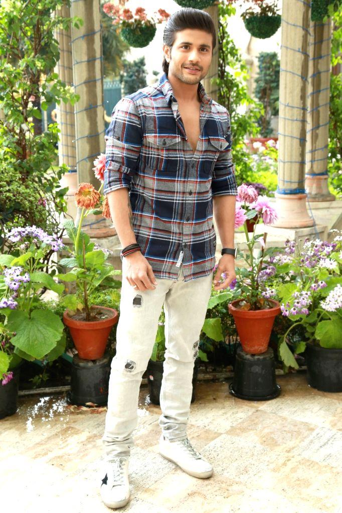 Actor Mustafa Burmawala during the promotion of their upcoming film ''Machine'' in New Delhi on March 9, 2017. - Mustafa Burmawala