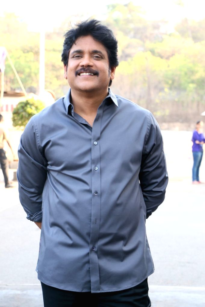 Actor Nagarjuna Flagsoff Yoga Chakra by Bharat Thakur Mega Cyclathon Event. - Nagarjuna Flagsoff Yoga Chakra