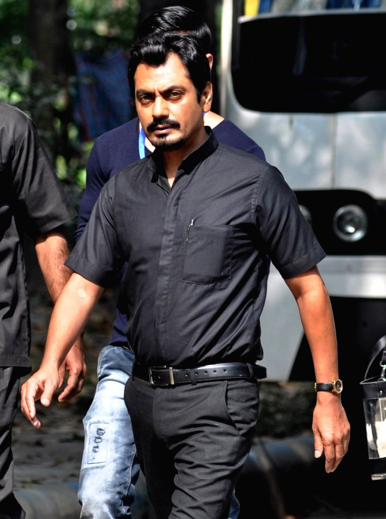 Actor Nawazuddin Siddiqui during shooting for his upcoming film `Te3n`in Kolkata on Nov 27, 2015. - Nawazuddin Siddiqui