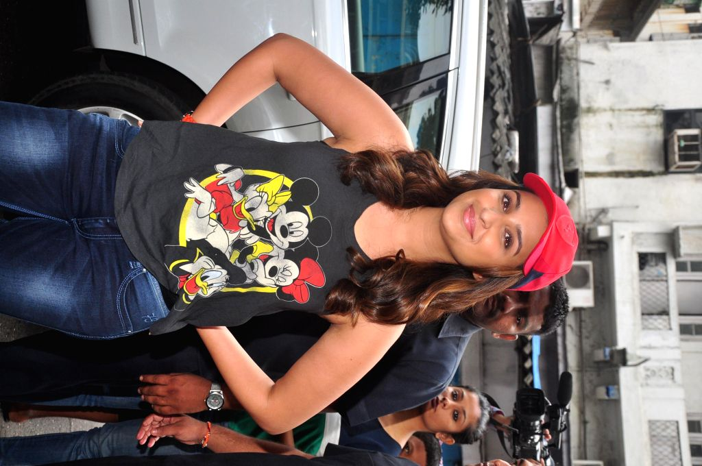 Actor Parineeti Chopra during the Flag off the Daawat-E-Ishq food yatra (road trip) to promotes her film Daawat-E-Ishq in Mumbai on Sept 12, 2014. - Parineeti Chopra