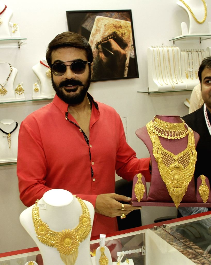 Actor Prosenjit Chatterjee during inauguration of a jewellery exhibition in Kolkata, on April 21, 2017. - Prosenjit Chatterjee