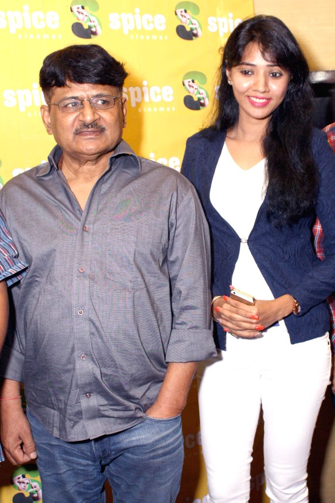 Actor Raghubir Yadav during a press conference to promote his upcoming film  `Meinu Ek Ladki Chaahiye`in Noida on Sept 10, 2014. - Raghubir Yadav