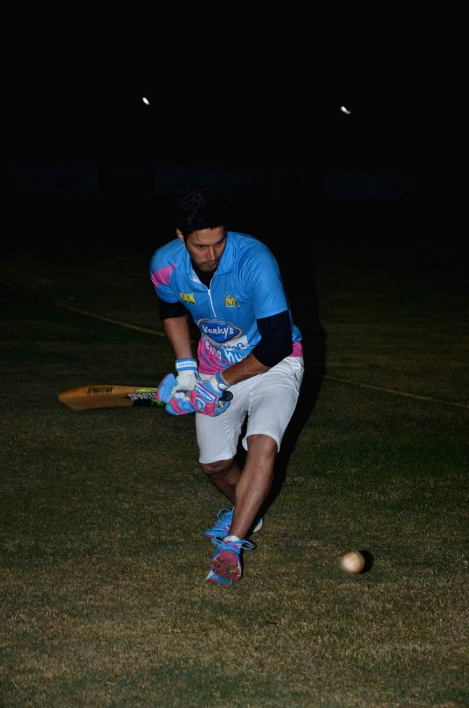 Actor Rajneesh Duggal during the Corporate Cricket Match Season 2, in Mumbai, on Oct 26, 2015. - Rajneesh Duggal