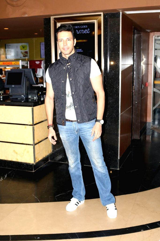 Actor Rajneesh Duggal during the trailer launch of film Saansein, in Mumbai on Oct 5, 2016. - Rajneesh Duggal