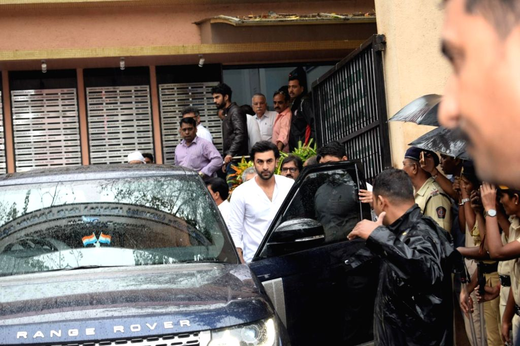 Actor Ranbir Kapoor attends the funeral of late actor-filmmaker Shashi Kapoor in Mumbai on Dec 5, 2017. The romantic screen icon of the 1970s and early 1980s died aged 79. The cause of death ... - Ranbir Kapoor and Shashi Kapoor