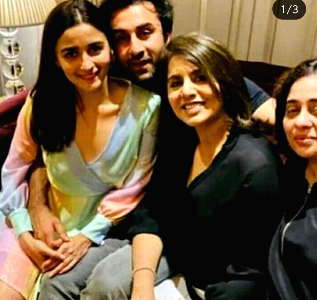 Actor Ranbir Kapoor has turned 37 on Sunday and he chose to celebrate his special day with his close frinds from the film industry. Ranbir threw a birthday party  last night in Mumbai at his ... - Ranbir Kapoor, Deepika Padukone and Ranveer Singh
