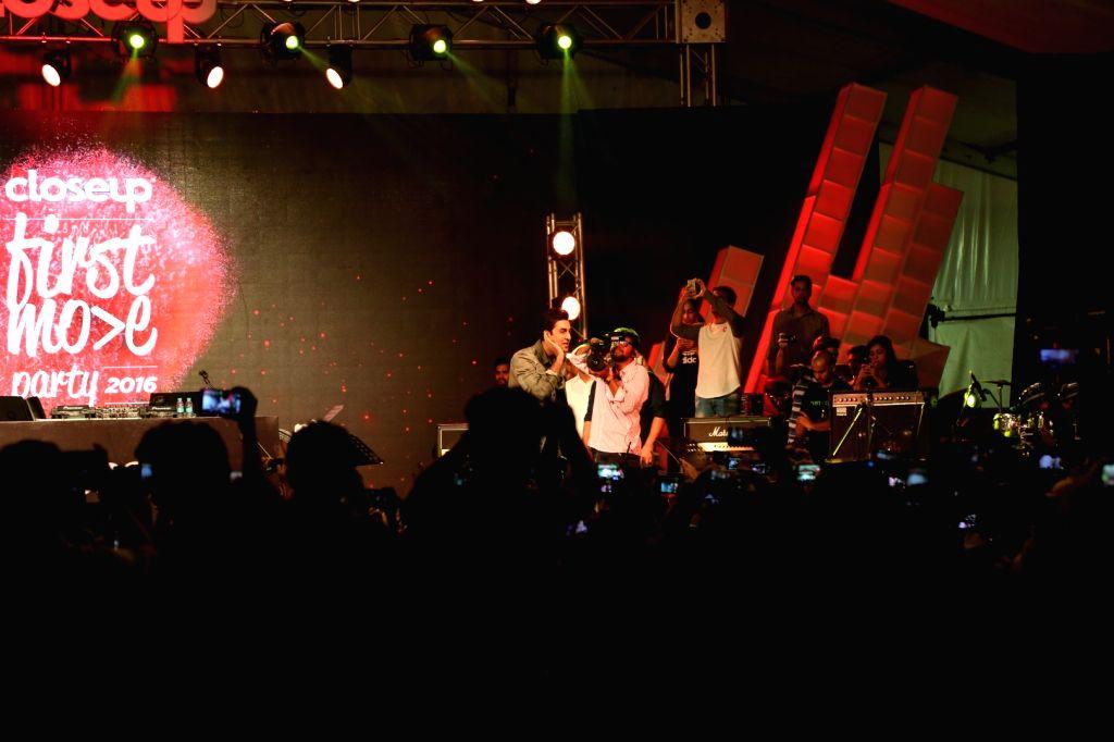 Actor Ranbir Kapoor performs during Closeup First Move Party in Mumbai on Sept. 30, 2016. - Ranbir Kapoor
