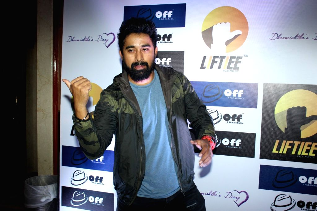 Actor Rannvijay Singh at the launch of Unique Carpooling and Bikepooling App in Mumbai, on March 17, 2016. - Rannvijay Singh