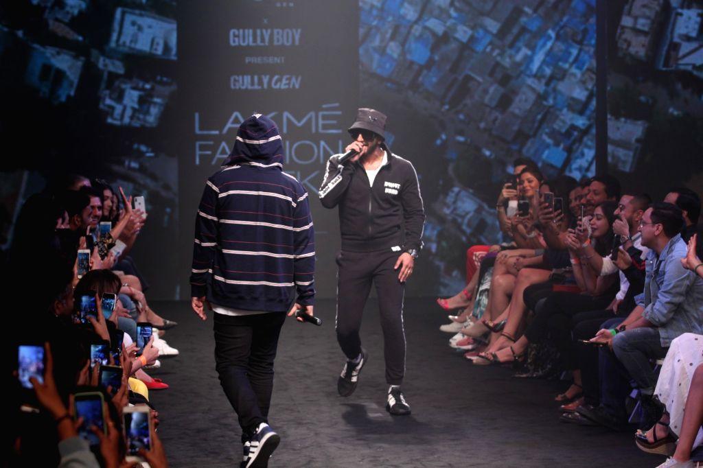 Actor Ranveer Singh and rapper Naezy perform during Gully Gen's show at Lakme Fashion Week (LFW) Summer/Resort 2019 in Mumbai, on Feb 3, 2019. - Ranveer Singh