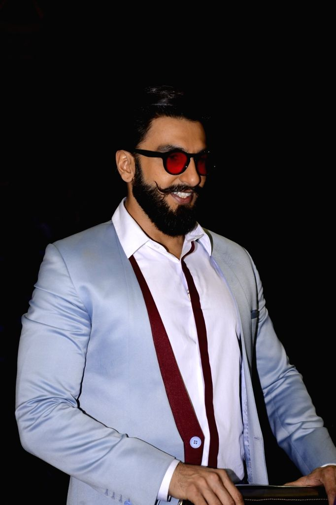 Actor Ranveer Singh during the promotion of film Befikre on the sets of Sony TV reality show Super Dancer in Mumbai, on Nov 27, 2016. - Ranveer Singh