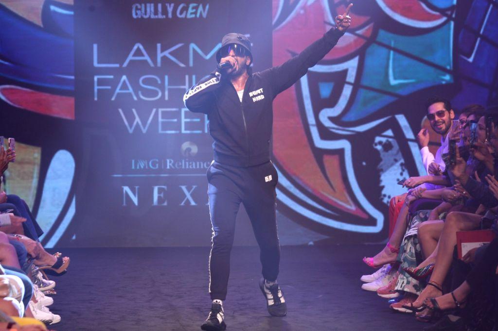 Actor Ranveer Singh performs during Gully Gen's show at Lakme Fashion Week (LFW) Summer/Resort 2019 in Mumbai, on Feb 3, 2019. - Ranveer Singh