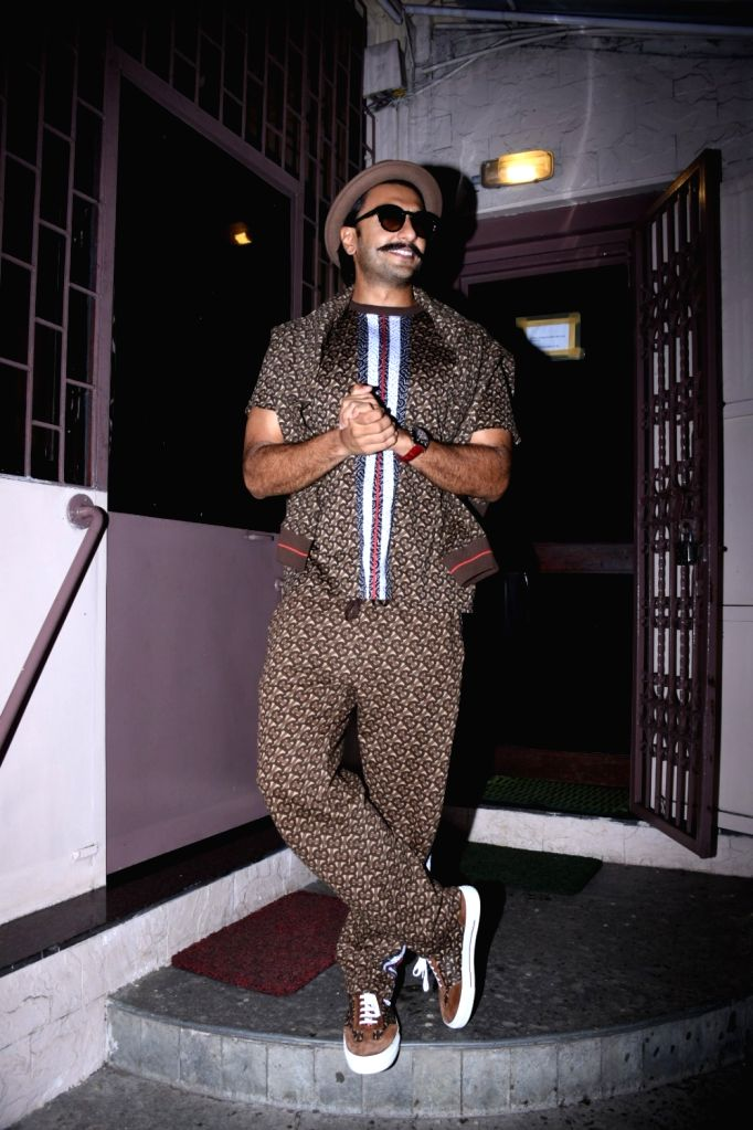 Actor Ranveer Singh seen at Bandra in Mumbai on Sep 21, 2019. - Ranveer Singh