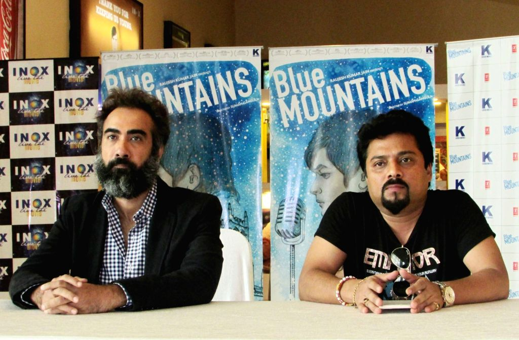 Actor Ranvir Shorey and director Suman Ganguli during a press conference to promote their upcoming film 'Blue Mountains' in Kolkata, on March 25, 2017. - Ranvir Shorey