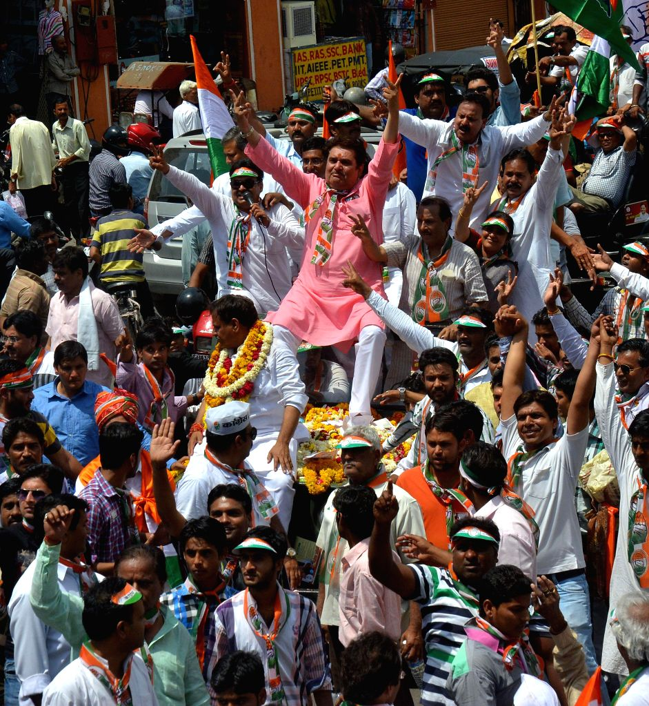 Actor Raza Murad campaigns for Congress candidate Mahesh Joshi in Jaipur on April 15, 2014.