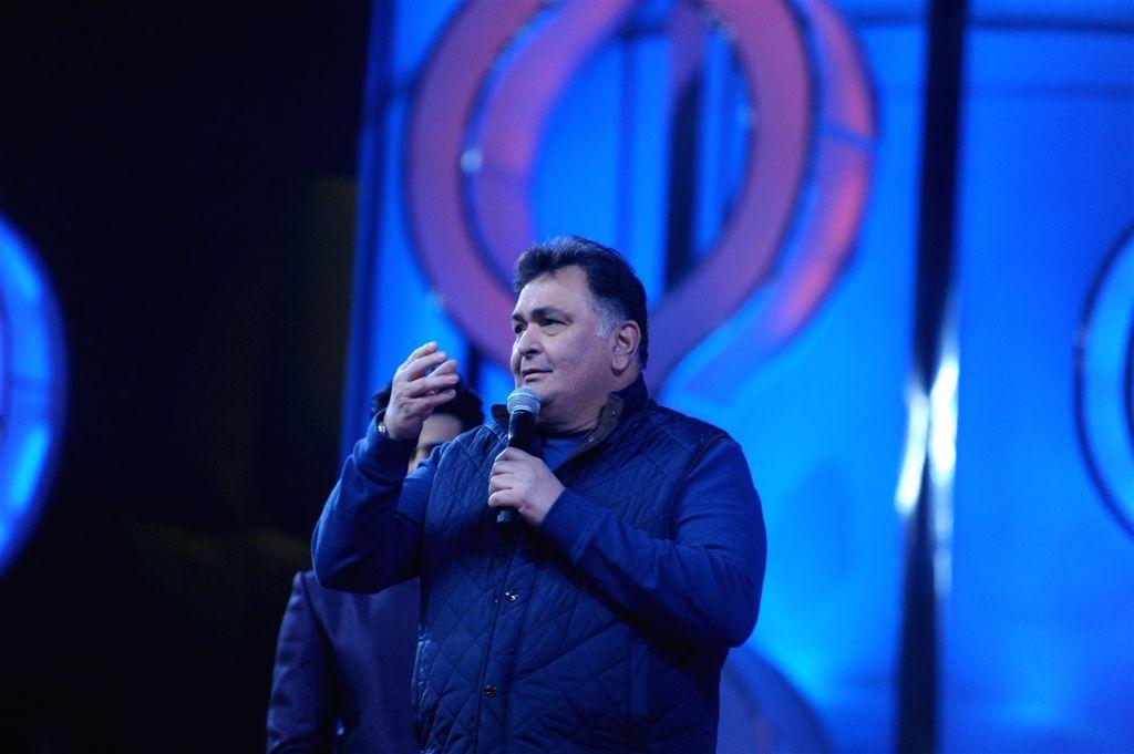 Actor Rishi Kapoor during the Umang Mumbai Police Show 2016 in Mumbai, on Jan 19, 2016. - Rishi Kapoor