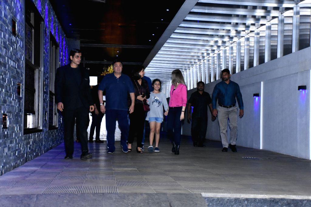 Actor Rishi Kapoor, his wife Neetu Kapoor, their daughter Riddhima Kapoor and granddaughter Samara Sahni seen at a restaurant in Mumbai's Bandra on Nov 5, 2019. - Rishi Kapoor, Neetu Kapoor and Riddhima Kapoor