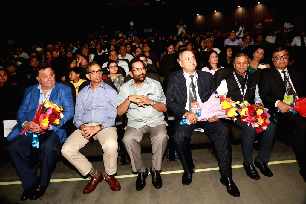 Actor Rishi Kapoor, Union Minister Mukhtar Abbas Naqvi and Jagran chief Sanjay Gupta during inauguration of Jagran Film Festival in New Delhi, on July 2, 2017. - Rishi Kapoor and Sanjay Gupta