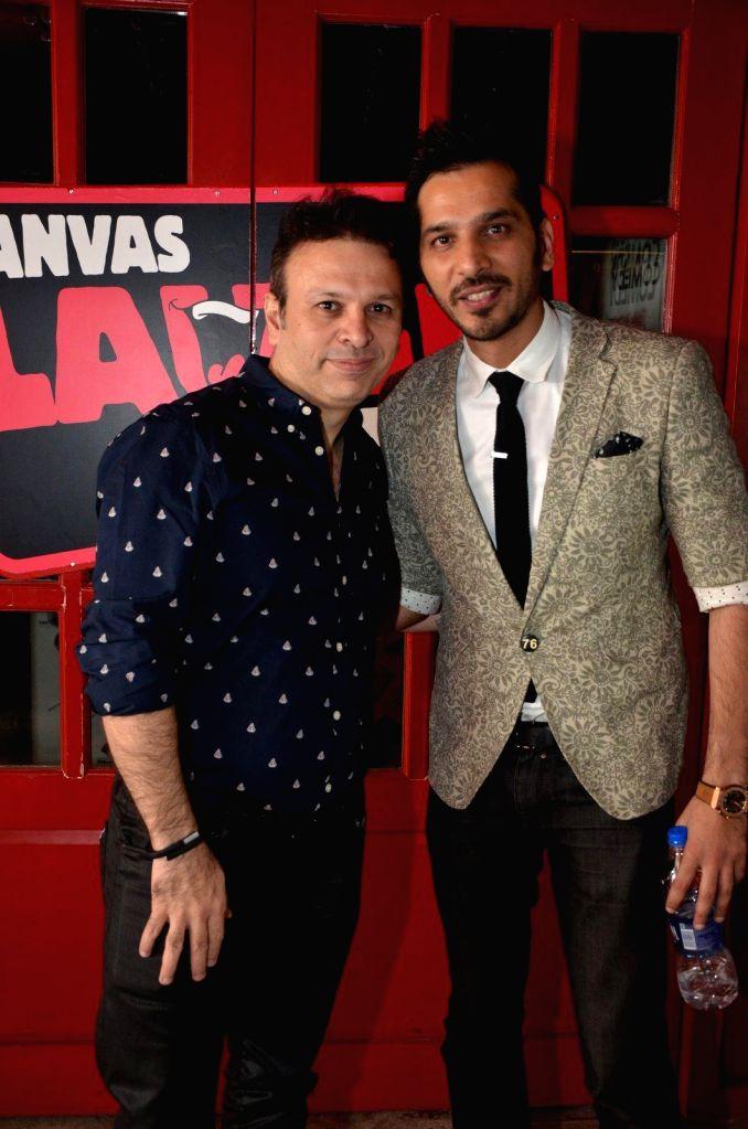 Actor Roshan Abbas at Comedian Nitin Mirani's performing stand-up comedy at Canvas laugh Club in Mumbai on Jan 10, 2015. - Roshan Abbas