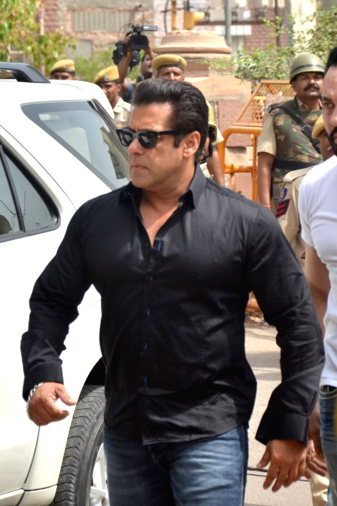 Actor Salman Khan arrives to appear before a Jodhpur rural court in connection with the hearing in black buck poaching case, on April 5, 2018. The actor was found guilty on Thursday in the ... - Salman Khan and Saif Ali Khan