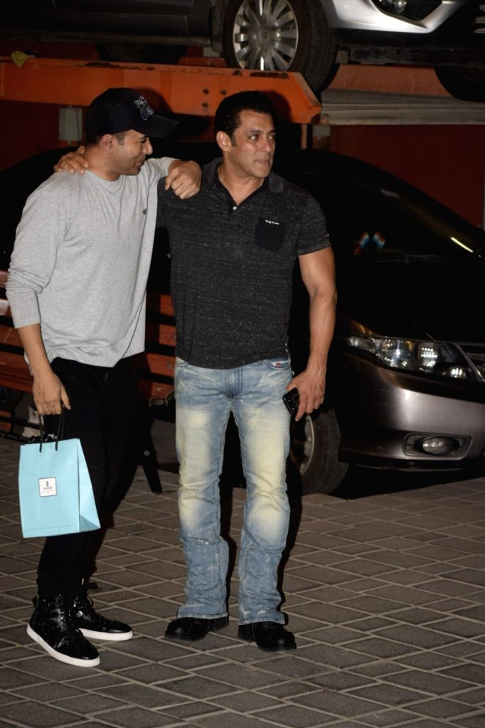 Actor Salman Khan at mother Salma Khan's birthday party hosted by sister Arpita Khan Sharma in Mumbai, on Dec 7, 2018. - Salman Khan, Salma Khan and Arpita Khan Sharma