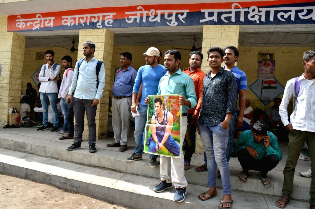 Actor Salman Khan fans waiting outside the Jodhpur Central Jail in Jodhpur on April 6, 2018. Salman Khan was sentenced to five years of imprisonment in the 1998 black buck poaching case, ... - Salman Khan and Saif Ali Khan