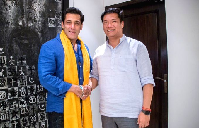Actor Salman Khan meets Arunachal Pradesh Chief Minister Pema Khandu, in Mumbai on June 12, 2019. - Salman Khan