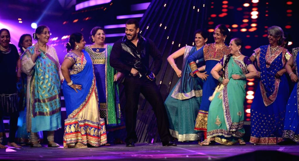 Actor Salman Khan performs during the 61st Britannia Filmfare Awards in Mumbai on January 15, 2016. - Salman Khan