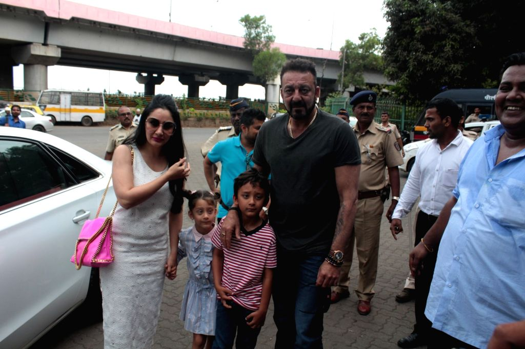 Actor Sanjay Dutt along with his wife Manyata and his children Iqra Dutt and Shahraan Dutt during Plantation Initiative By MCGM Bhamla Foundation in Mumbai, on June 2, 2017. - Sanjay Dutt, Iqra Dutt and Shahraan Dutt