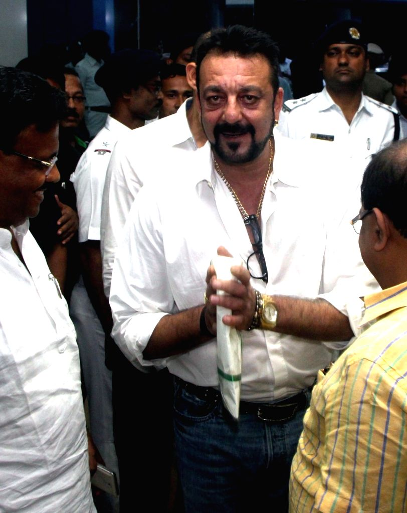 Actor Sanjay Dutt arrives to meet West Bengal Chief Minister Mamata Banerjee at Nabanno in Howrah on Sept 12, 2016. - Sanjay Dutt and Mamata Banerjee
