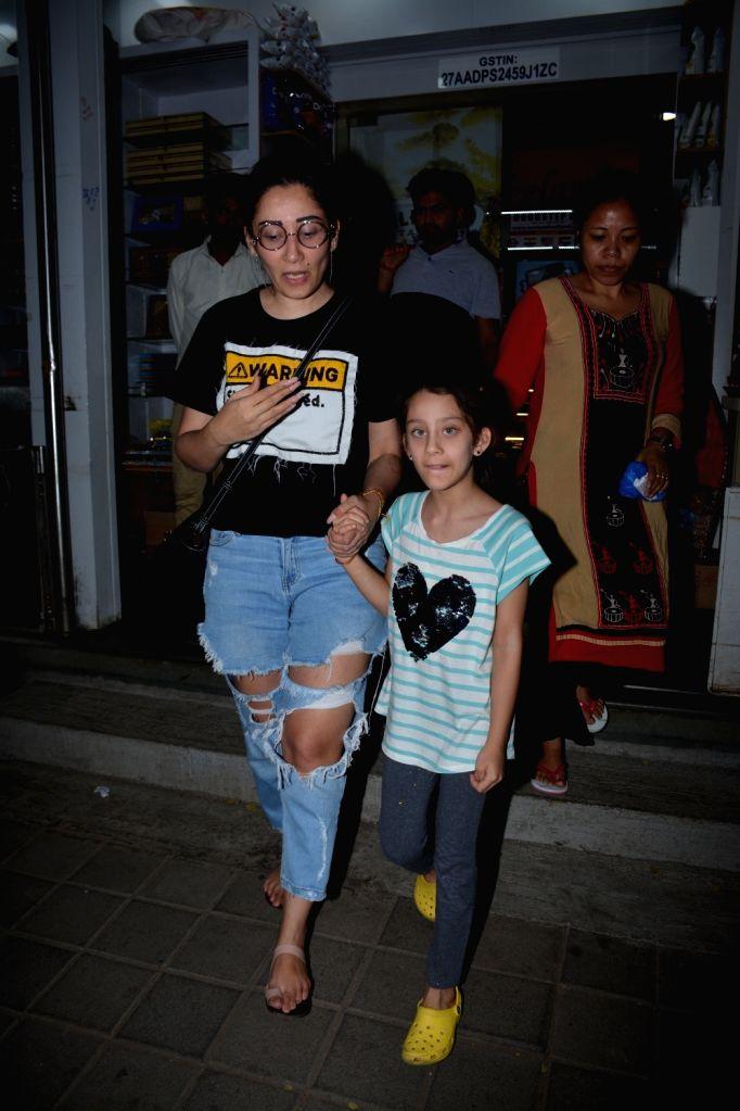 Actor Sanjay Dutt's wife Maanayata Dutt along with her daughter Iqra Dutt seen at Mumbai's Bandra on Nov 1, 2018. - Sanjay Dutt, Maanayata Dutt and Iqra Dutt