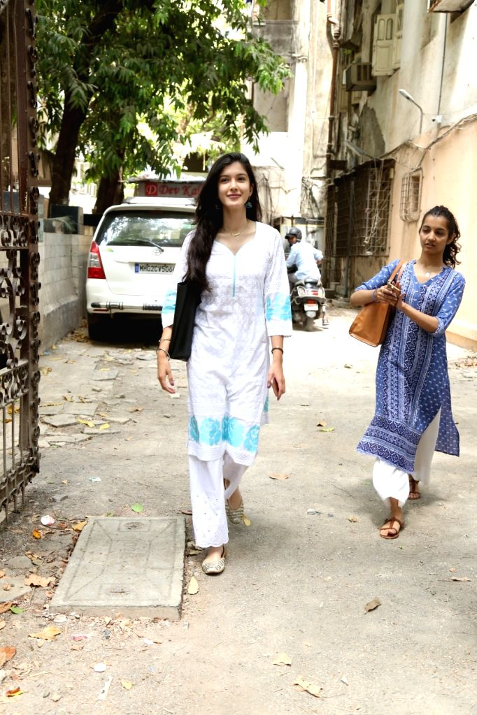 Actor Sanjay Kapoor's daughter Shanaya Kapoor seen at Bandra in Mumbai, on June 3, 2019. - Sanjay Kapoor and Shanaya Kapoor