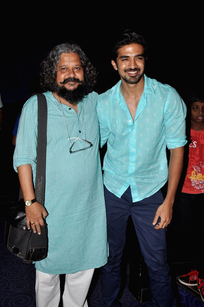 Actor Saqib Saleem and filmmaker Amole Gupte during the screening of film Hawaa Hawaai at PVR in Mumbai on 10 May, 2014. - Saqib Saleem
