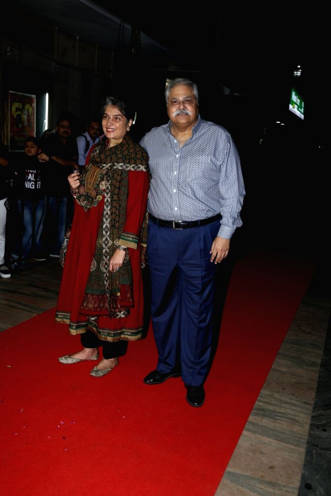 """Actor Satish Shah with his wife Madhu Shah during a special event organised to celebrate 25 years of the film """"Hum Aapke Hain Koun"""", in Mumbai on Aug 9, 2019. - Satish Shah and Madhu Shah"""