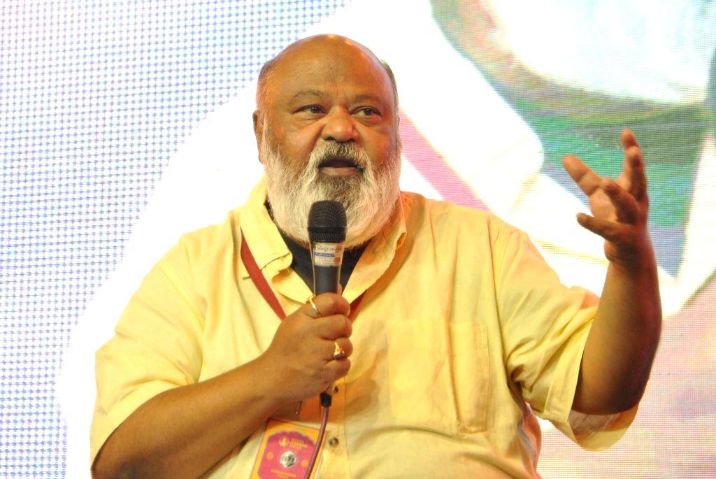 Actor Saurabh Shukla addresses at the sixth Kolkata Literature Festival of 43rd International Kolkata Book Fair, on Feb 9, 2019. - Saurabh Shukla