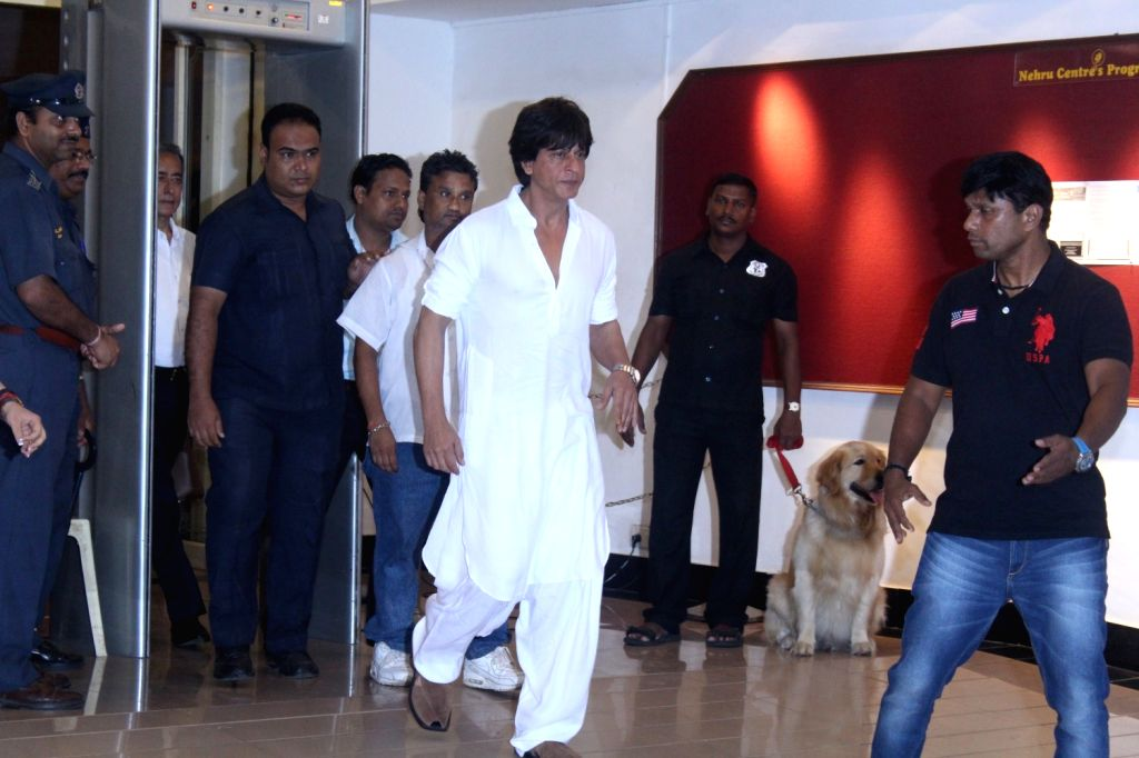 Actor Shah Rukh Khan during a prayer meeting for the late veteran actor Vinod Khanna in Mumbai on May 3, 2017. - Shah Rukh Khan and Vinod Khanna