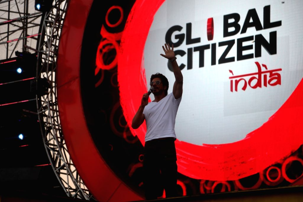 Actor Shah Rukh Khan during the Global Citizen Festival India 2016, in Mumbai on Nov 19, 2016. - Shah Rukh Khan