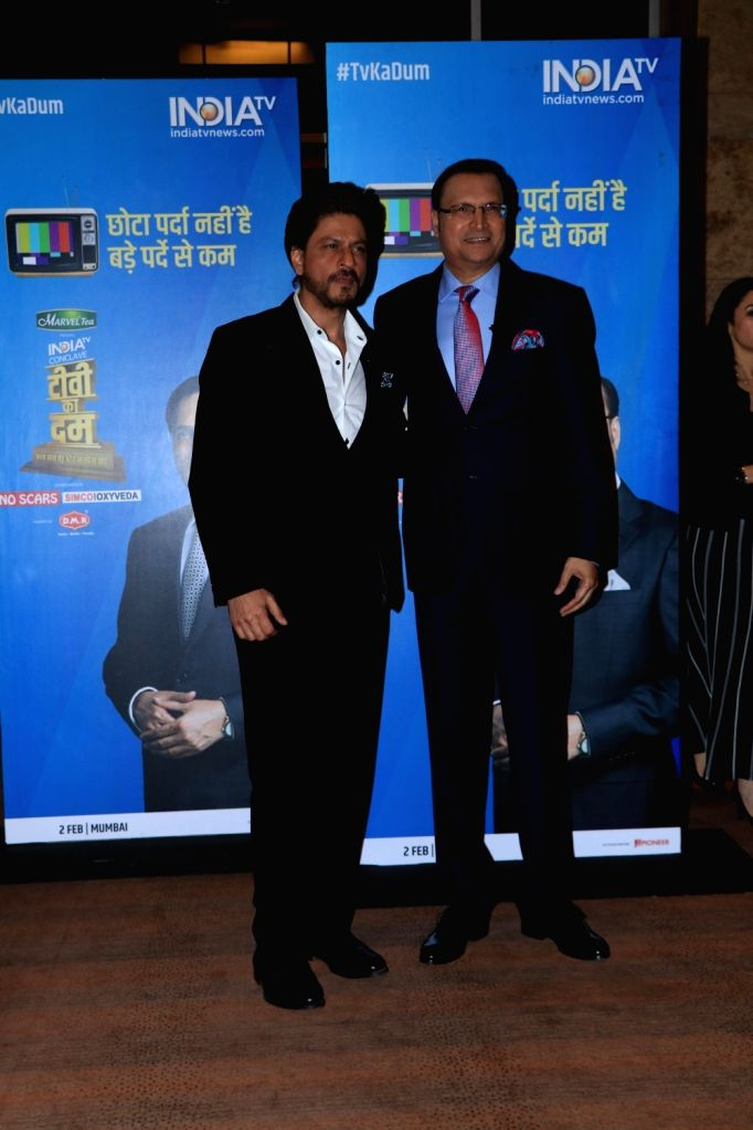 Actor Shah Rukh Khan with journalist Rajat Sharma at India Today Conclave in Mumbai, on Feb 2, 2019. - Shah Rukh Khan and Rajat Sharma