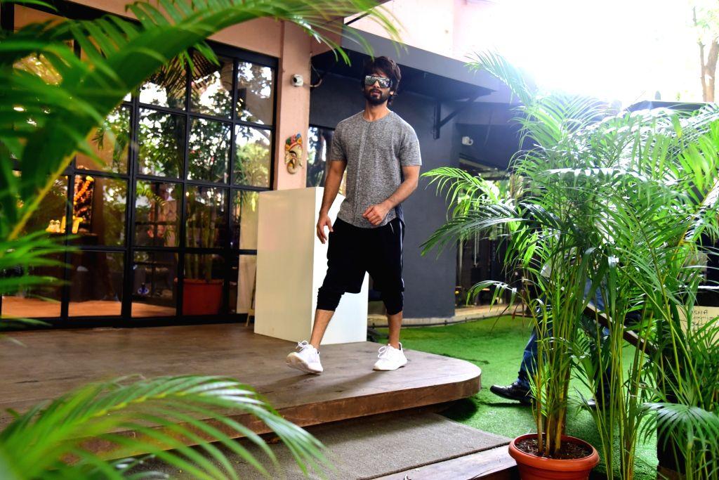 Actor Shahid Kapoor seen at Bandra in Mumbai on Nov 9, 2019. - Shahid Kapoor