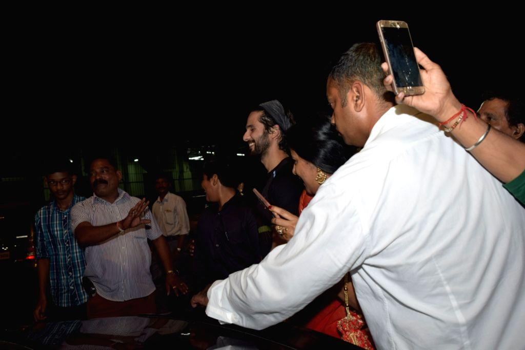Actor Shahid Kapoor seen at Juhu in Mumbai on Nov 11, 2019. - Shahid Kapoor