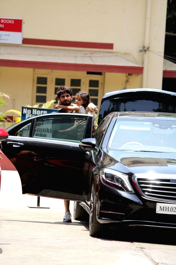 Actor Shahid Kapoor with his daughter Misha Kapoor seen in Mumbai's Bandra, on May 1, 2019. - Shahid Kapoor and Misha Kapoor