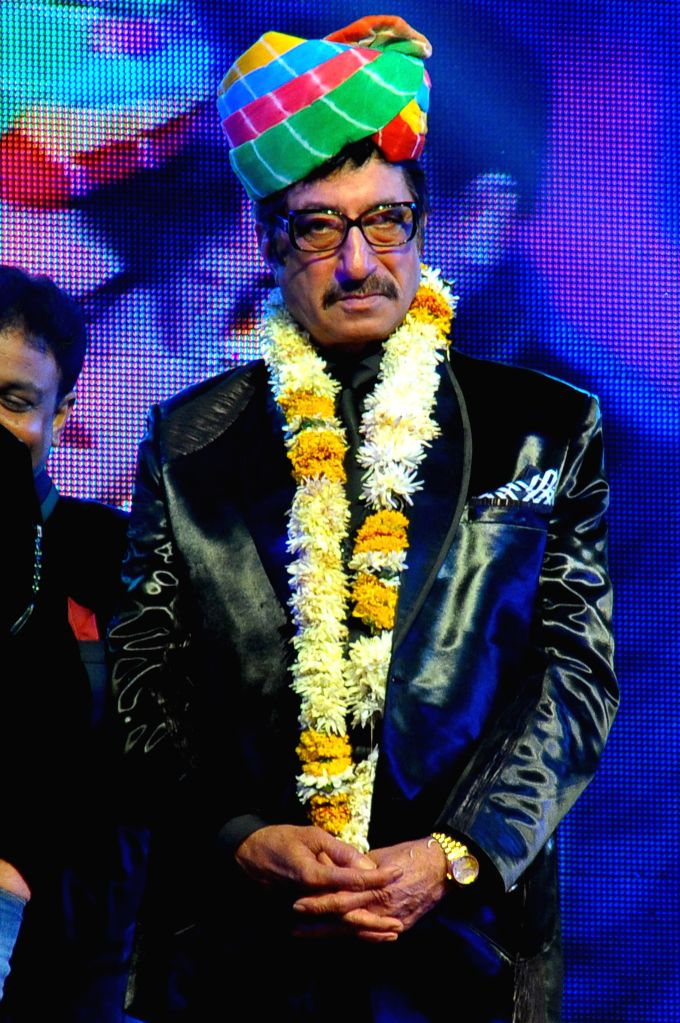 Actor Shakti Kapoor performs during Jaipur Laughter Festival 2015 in Jaipur, on Jan 11, 2015. - Shakti Kapoor