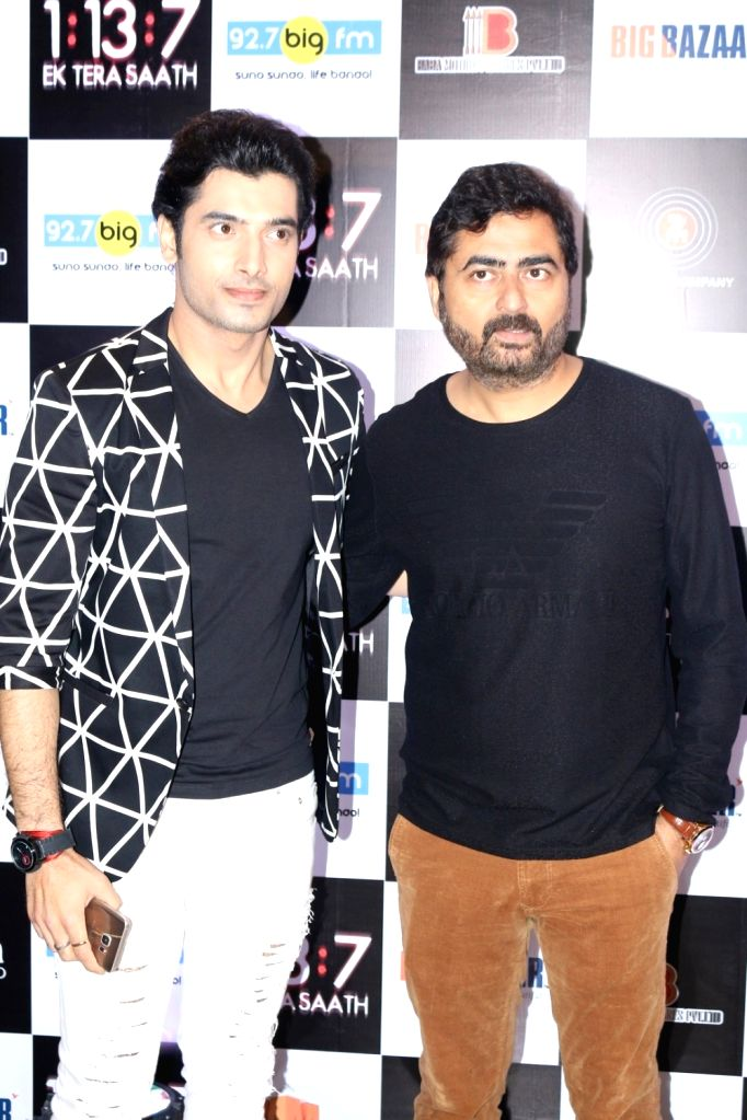 Actor Sharad Malhotra and filmmaker Arshad Siddiqui during the trailer and music launch of film 1:13:7 Ek Tera Saath in Mumbai on Sept. 16, 2016. - Sharad Malhotra