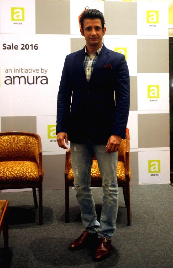 Actor Sharman Joshi during the launch of Real Estate Flash Sale in Mumbai on Oct 4, 2016. - Sharman Joshi